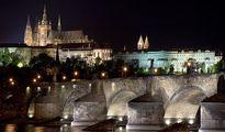 jugendreise.de Klassenfahrt Prag Schloss bei Nacht