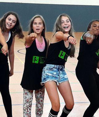 jugendreise.de Dance-Camp Naumburg Gruppenbild Tanzmädels
