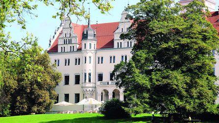 jugendreise.de Reiterferien Boitzenburg Schloss von außen