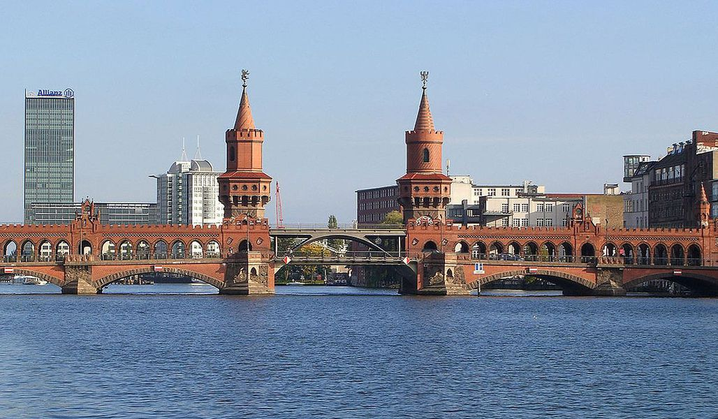 jugendreise.de Klassenfahrt Berlin Oberbaumbrücke