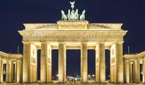 Klassenfahrt Berlin Brandenburger Tor bei Nacht