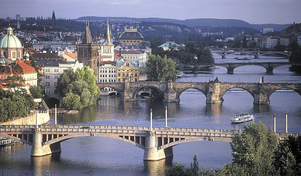 jugendreise.de Klassenfahrt Prag Moldaubruecken
